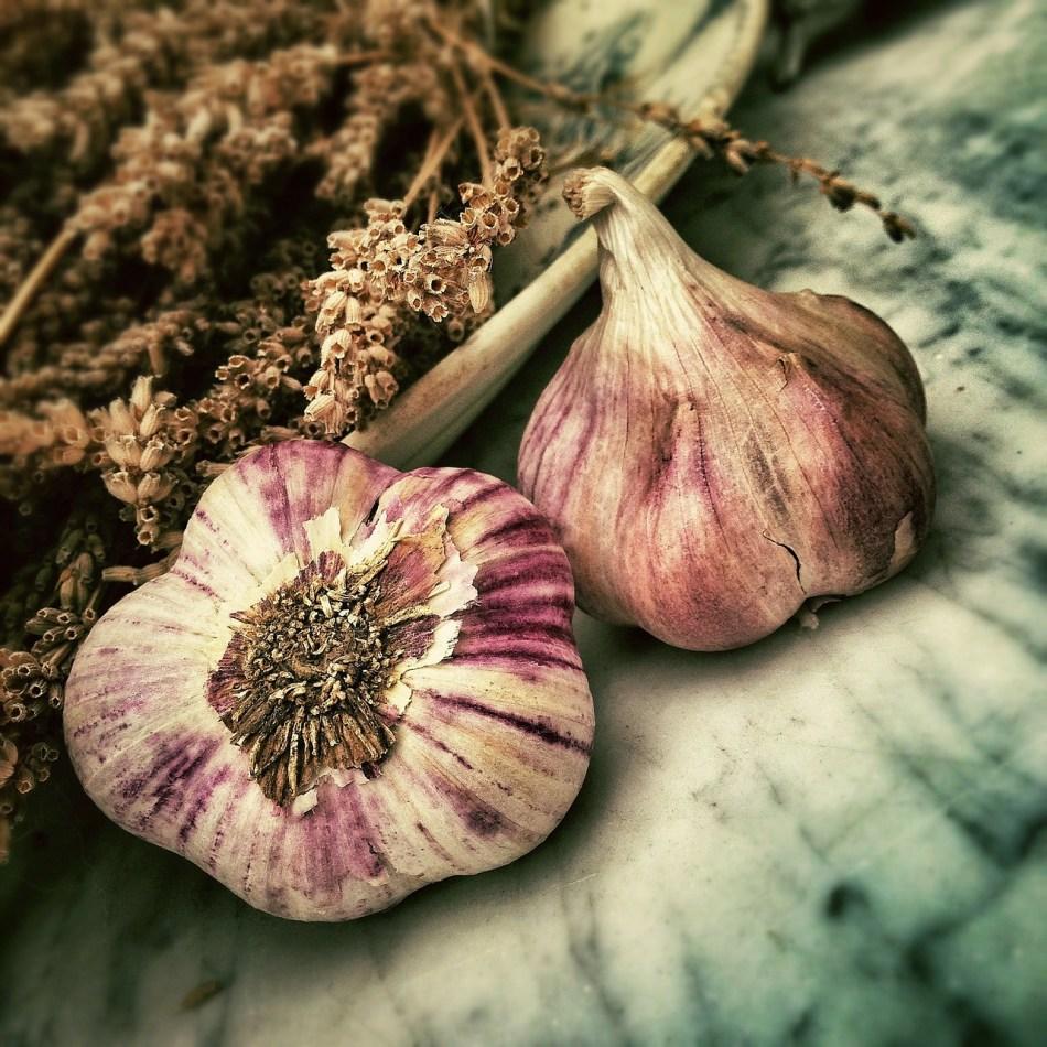 Smell, pungent garlic