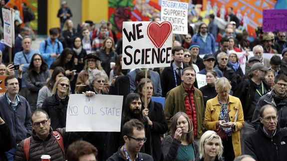 scientists-march