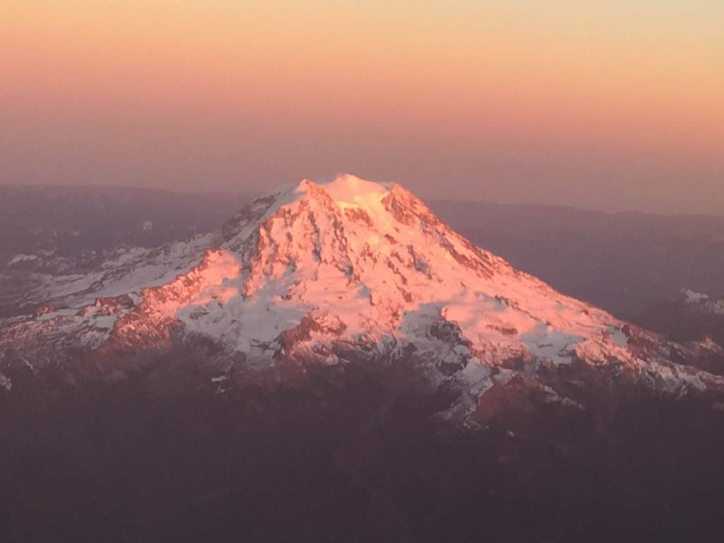 Mt.-Rainier-sunset