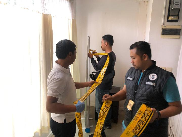 Police-in-Indonesia-seal-off-an-illegal-stem-cell-clinic