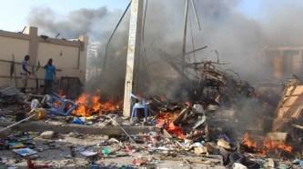 Somalia - Suicide bomber kills at