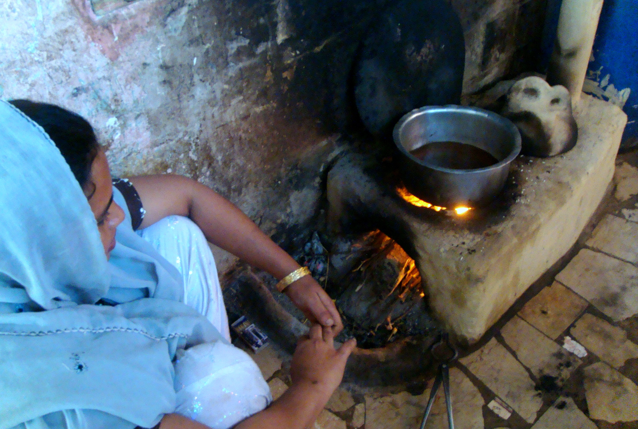 Pakistan Smoke Free Stoves A Godsend For Village Women