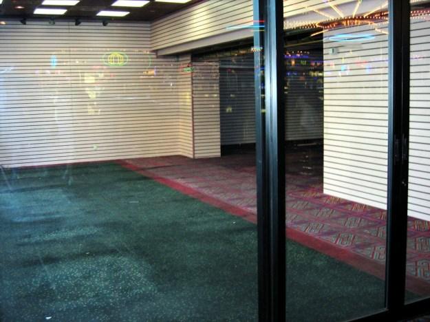 Westward Ho, Las Vegas - closing night November 25, 2005 - Closed and Empty Gift Shop
