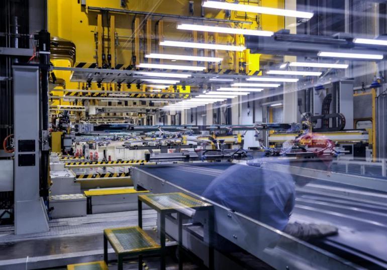 日本又作妖了!跟在美国后面狂吠,寻求增强军力制华