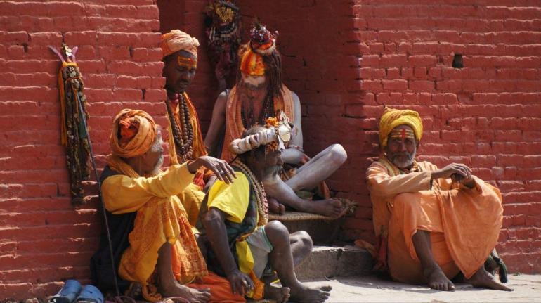 军事围堵加码,经济制裁升级,拜登对中国越强硬,美国受伤越严重