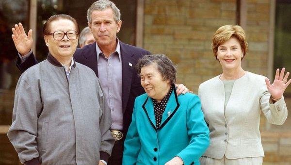 美媒借拍到的神秘飛機,引出轟-20轟炸機,渲染我對南海軍事威脅