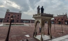 New Delhi: Muslims offer prayers on the occasion of Eid al-Adha at the Jama Masjid, wearing an almost deserted look due to COVID-19 pandemic, in New Delhi, Wednesday, July 21, 2021. (PTI Photo/Ravi Choudhary) (PTI07_21_2021_000027B)