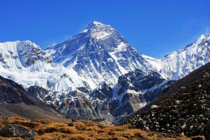 Everest-from-Gokyo1