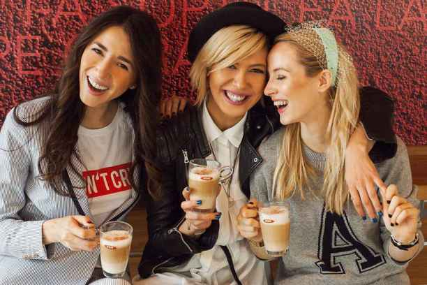 sore-mihalache-fabulous-muses_dianaenciu_alinatanasa_la-cafea_cafea-viva_omv-11