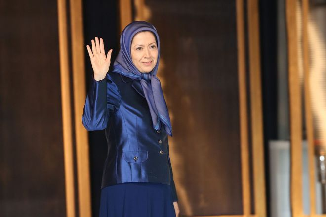 12-Maryam-Rajavi-speaks-to-the-gathering-commemorating-the-sixth-anniversary-of-the-martyrs-of-the-epic-battle-in-Ashraf-on-April-8-2011-2