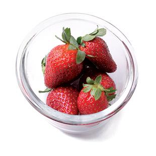 strawberries_bowl_1