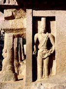 King Mamalla wearing an<br /><br /><br /><br />  Iranian head-dress