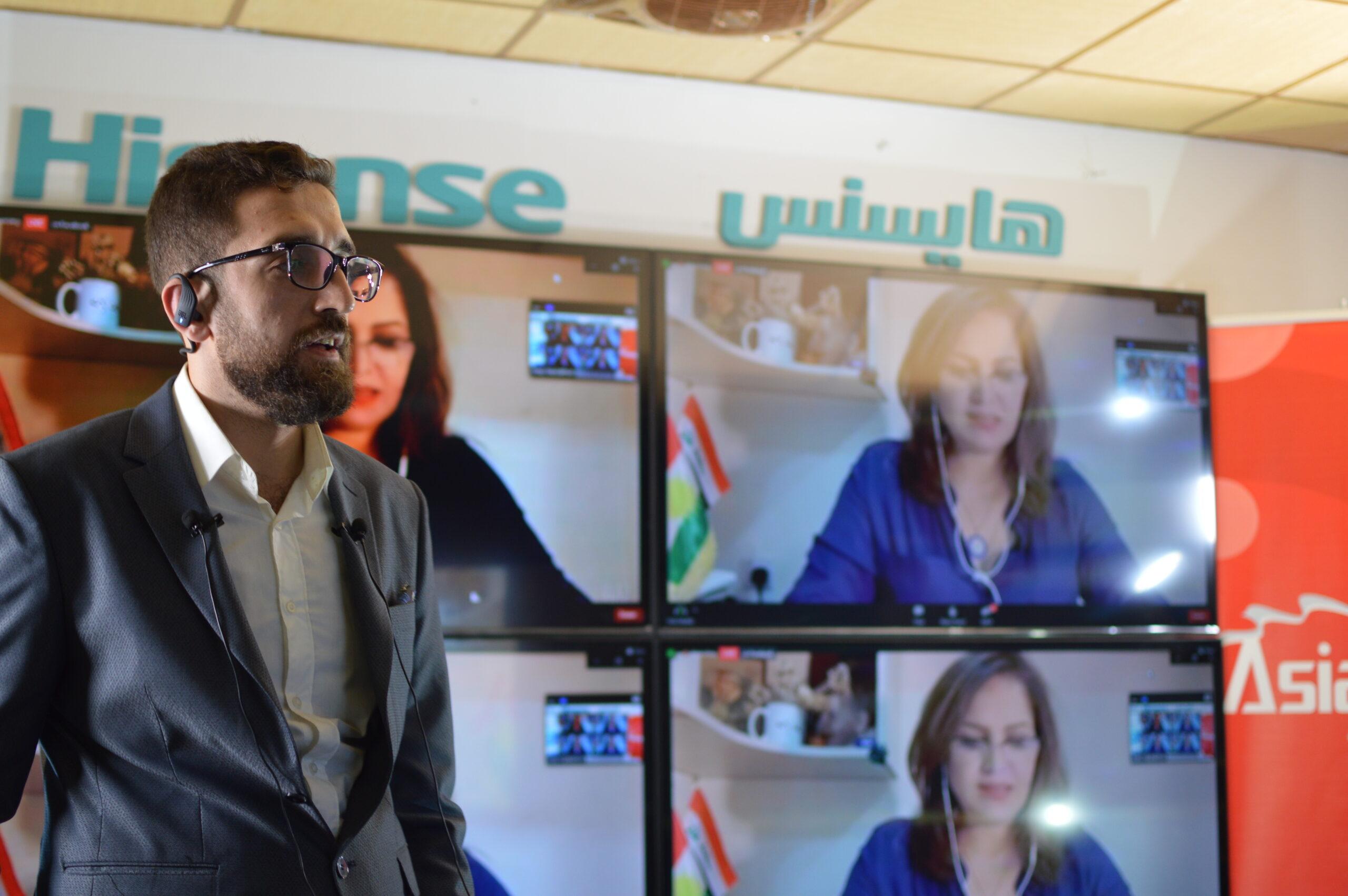 Dawar presenting at Iraq Hackathon