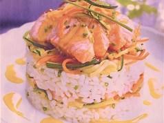 Timbal de salmon, arroz y verduritas