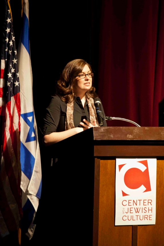 Megan Felt speaking to the audience at the Center for Jewish Culture in La Jolla, CA