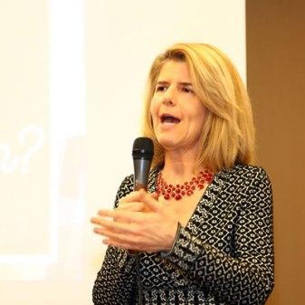 Social media expert Irene Koehler speaking at conference