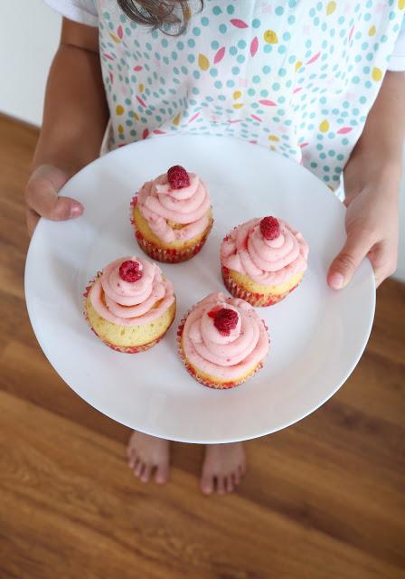 Розови мъфини за малки момичета и момчета