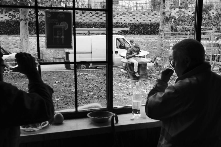 Alcuni operai in pausa pranzo. Castelsantangelo sul Nera, Italia 2016,