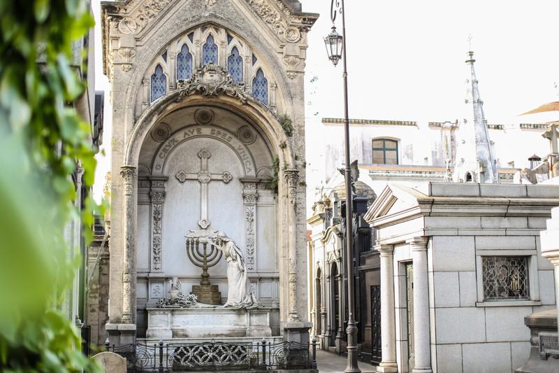 Recoleta-Cemetery-38