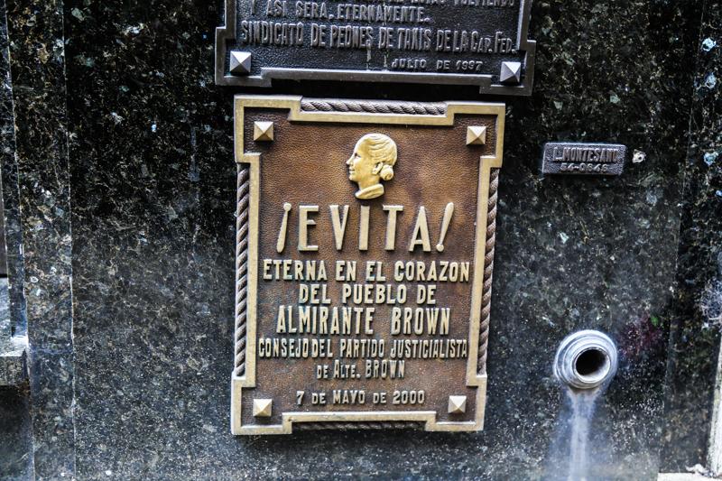 Recoleta-Cemetery-53
