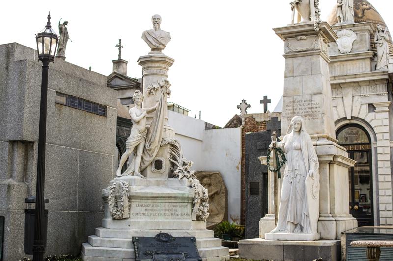 Recoleta-Cemetery-9