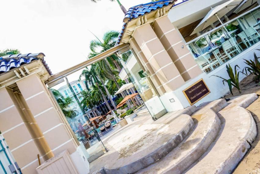 Ritz-Carlton-Four-Seasons-35