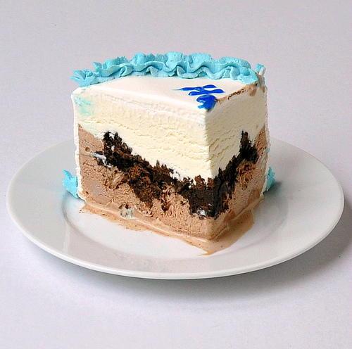 Copycat Carvel Ice Cream Cake Allfreecopycatrecipes Com