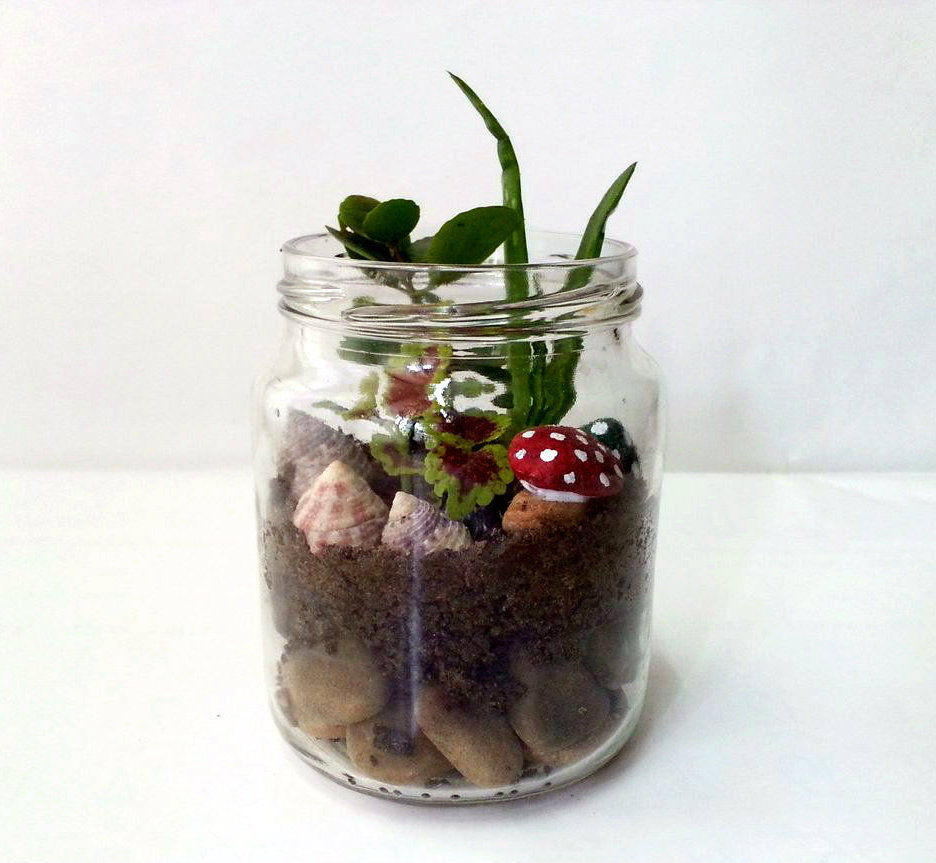 Mini Mason Jar DIY Garden