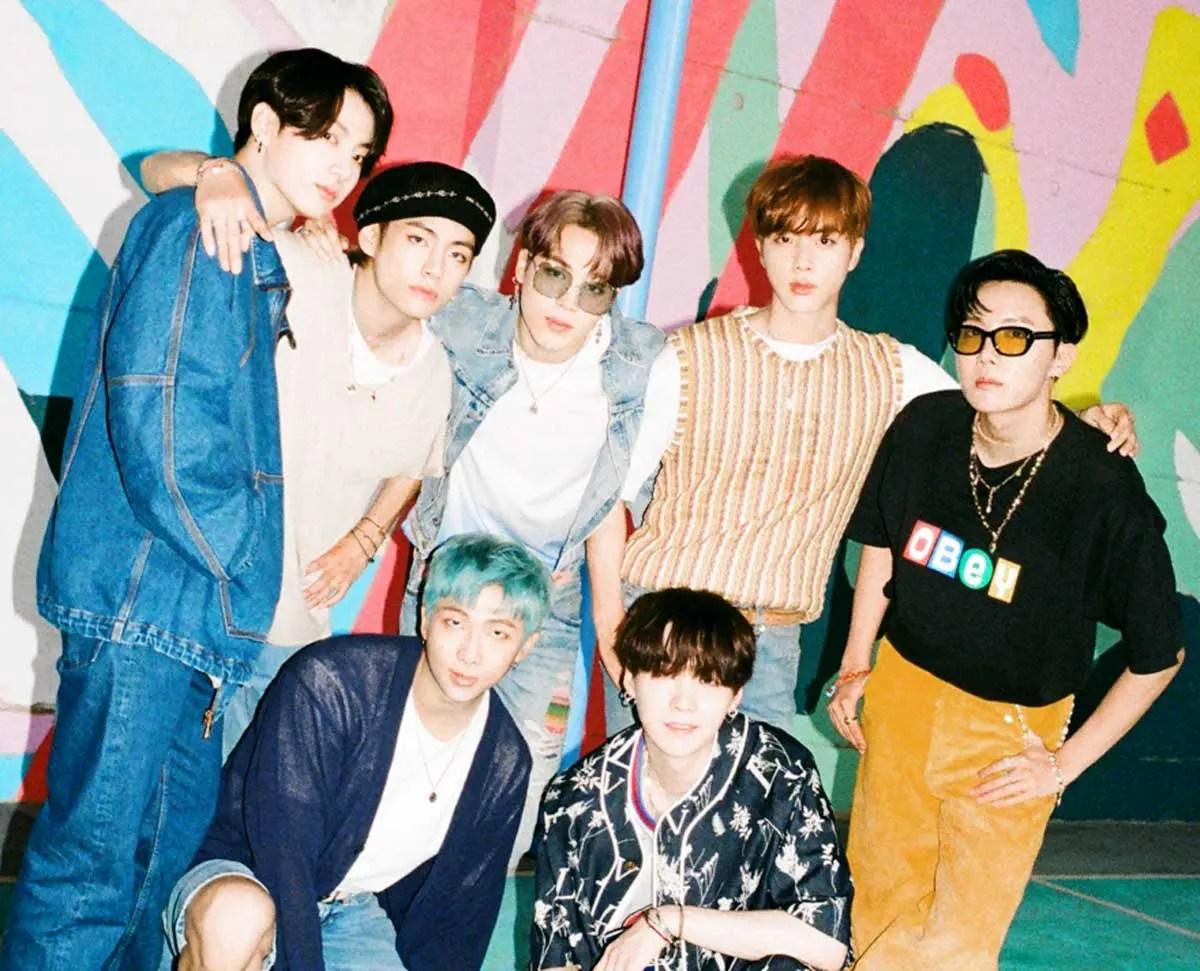BTS メンバーカラー マイク 色