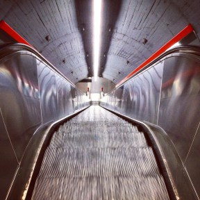 Karlsplatz Rolltreppe abwärts