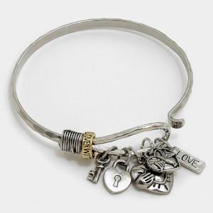 Love Claddagh & Heart Key Hook Bracelet - $22.00