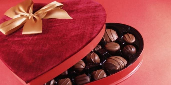 cadbury-heart-shaped chocolate box