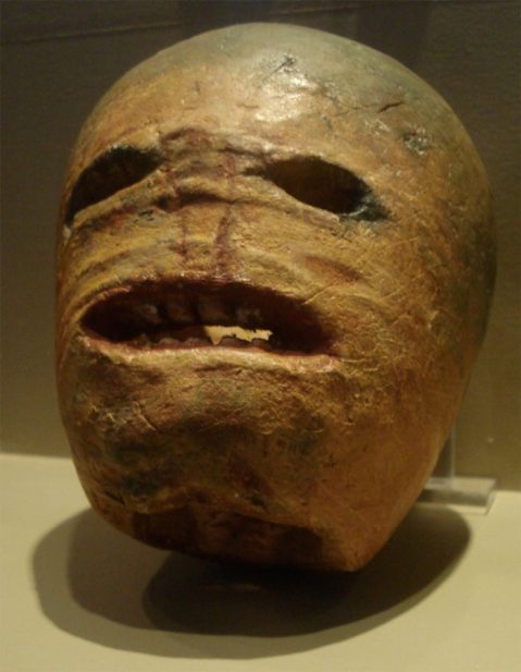 Traditional Irish halloween Jack-o'-lantern - https://commons.wikimedia.org/wiki/File:Traditional_Irish_halloween_Jack-o%27-lantern.jpg