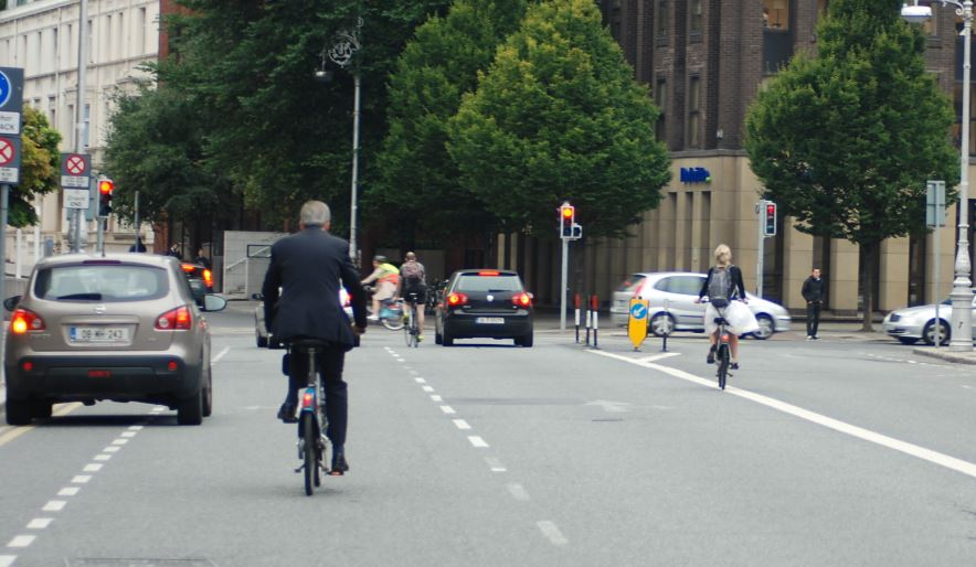 bicycles in diffrent lanes
