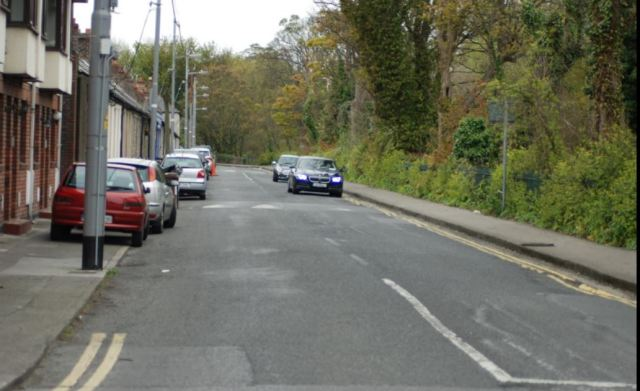 Dodder - two-way cycle path to avoid changing existing walking path