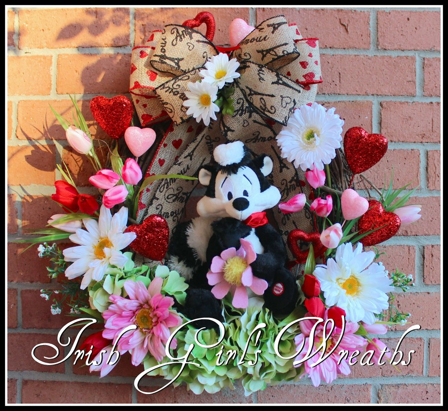 Pepe Le Pew Valentine I Pick You Wreath