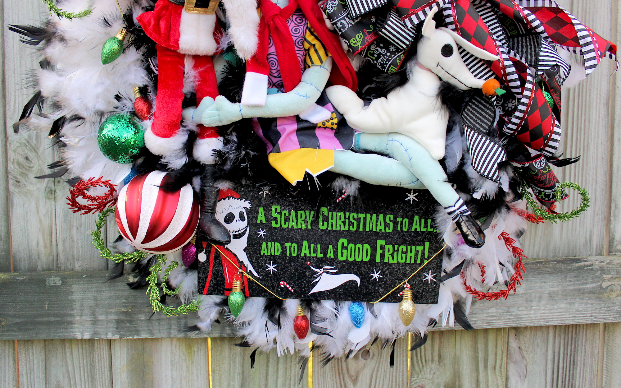 Irish girls wreaths where the difference is in the details jack skellington here in his sandy claws suit with his true love sally and trusty reindeer ghost dog zero wishing everyone a scary christmas to all and solutioingenieria Choice Image