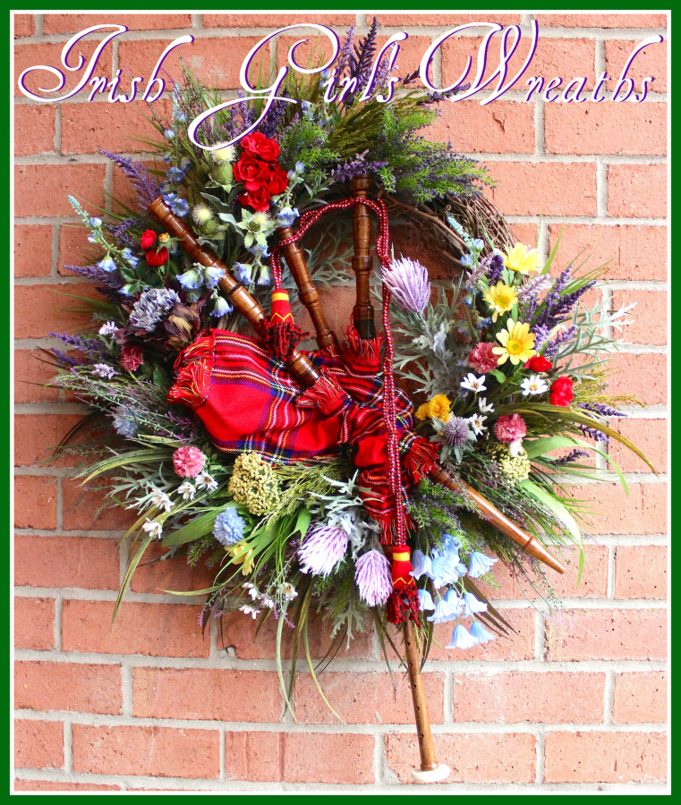 Large Scottish Highland Bagpipes Wreath, Scotland Heather, Thistles, and Wildflower Wreath, Tartan Everyday wreath