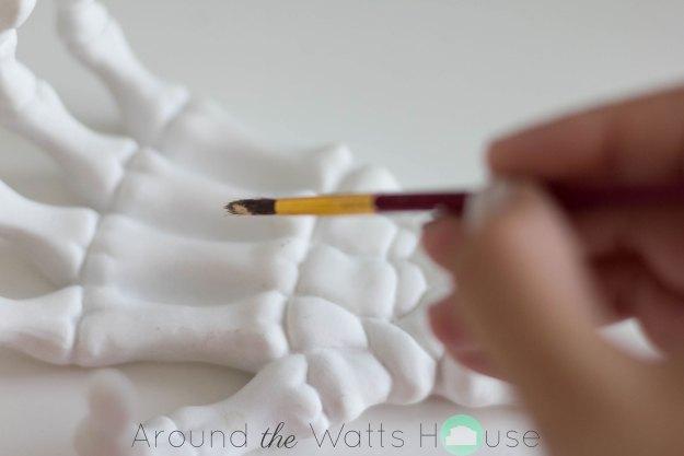 Gold-Skeleton-Hand-Craft-Pa