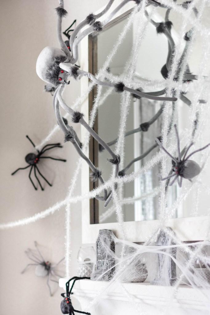 halloween-decor-home-tour-irisnacole-com-web