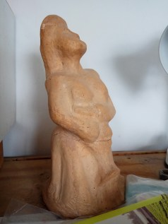 פסל אשה