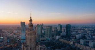 Wielki pożar wieżowca w Warszawie [WIDEO]