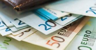 Sinn Fein proponuje vouchery wartości 200 eu dla każdej osoby dorosłej.
