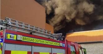 Co wiadomo o pożarze centrum handlowego Tesco w Cork?