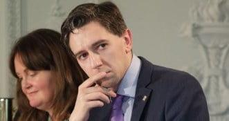 """Simon Harris – Irlandia ma pozostać zablokowana przez """"jeszcze kilka tygodni"""""""