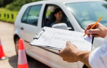 RSA: Egzaminy na prawo jazdy nadal wstrzymane na kolejne tygodnie