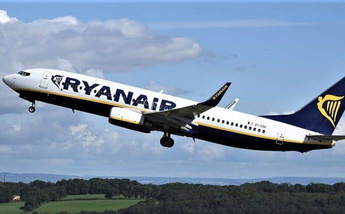 """Ryanair straszył klientów umieszczeniem na """"czarnej liście""""."""