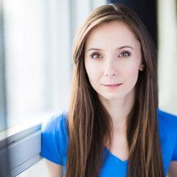 @JoannaHaughtonJoanna Haughton as Kim / Photographer