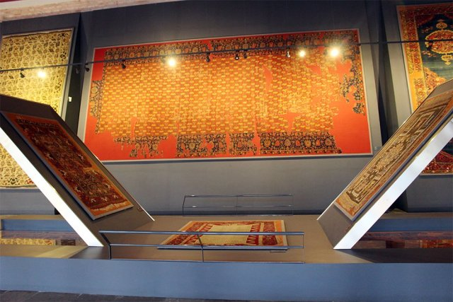 What to See in Sultanahmet Square, Istanbul   Museum of Islamic and Turkish Arts: rugs