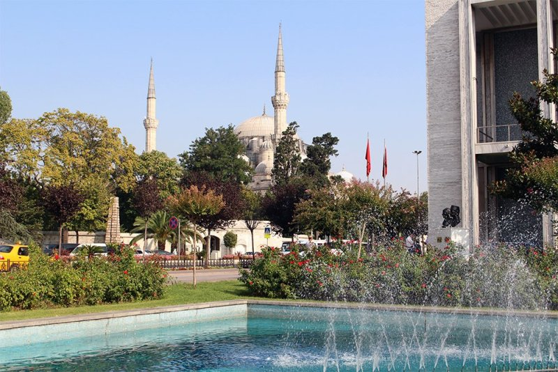 20+ Places to See in Istanbul